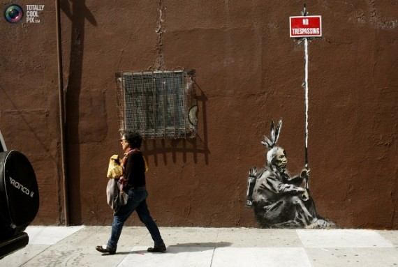 best-banksy-graffiti-04-570x383